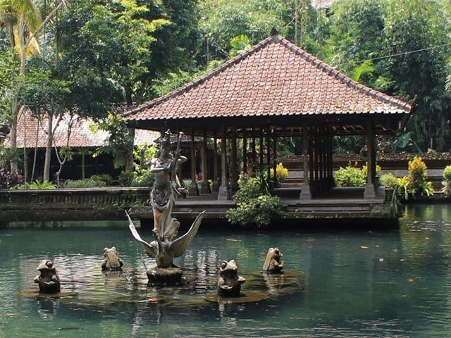 Balinese Water Purification Ceremony - Melukat